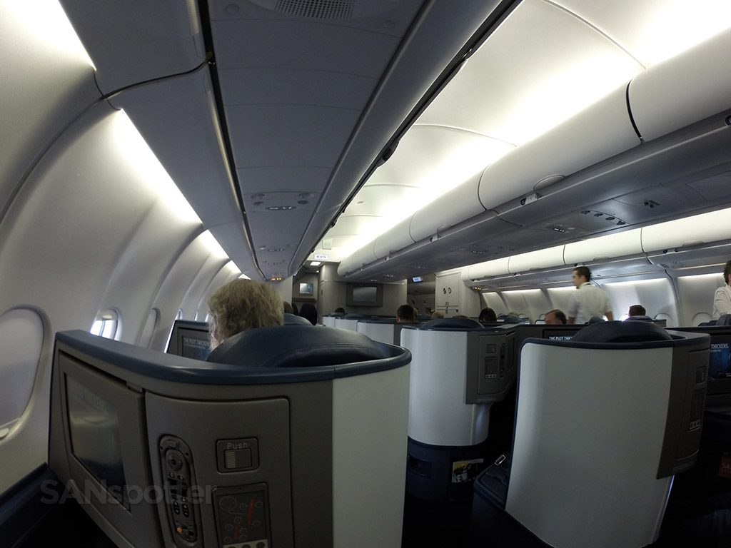 Delta Air Lines Airbus A330-300 Business Class Elite Delta one cabin photos @SANspotter