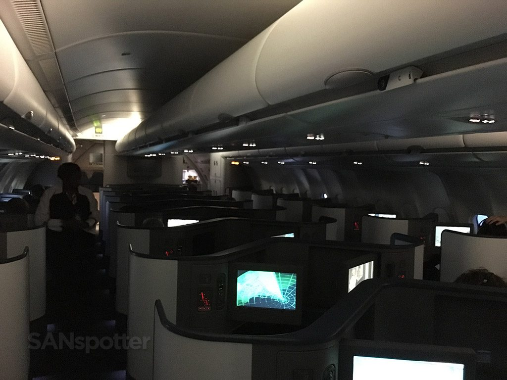 Delta Air Lines Airbus A330-300 Business Class Elite Delta one Cabin mood lightning @SANspotter