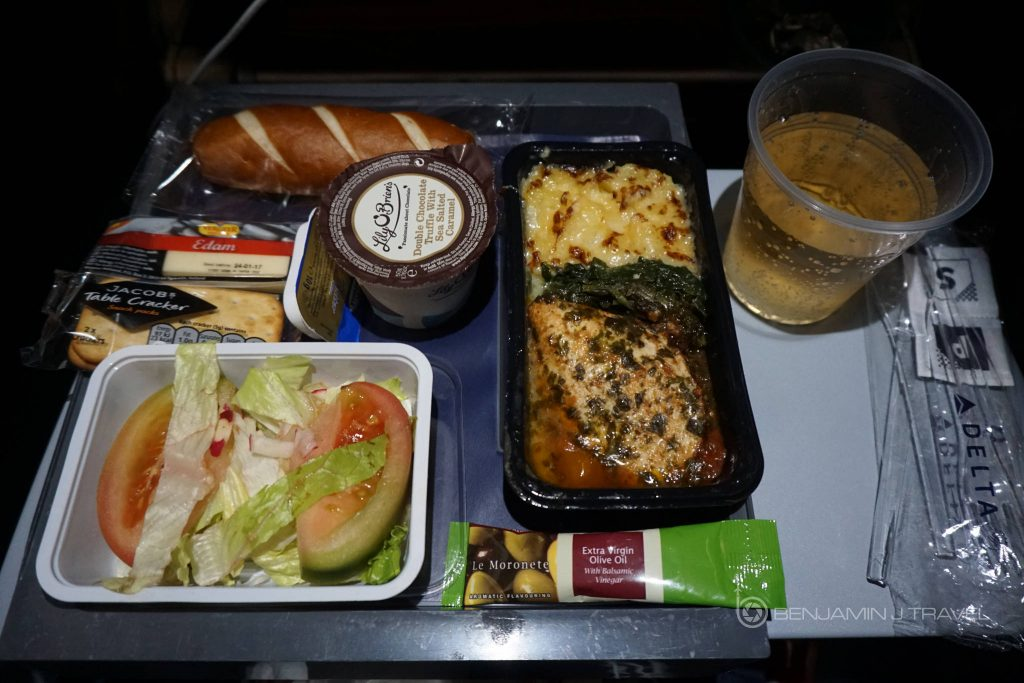 Delta Air Lines Airbus A330-300 Main cabin economy class inflight lunch service @Benjamin J Travel