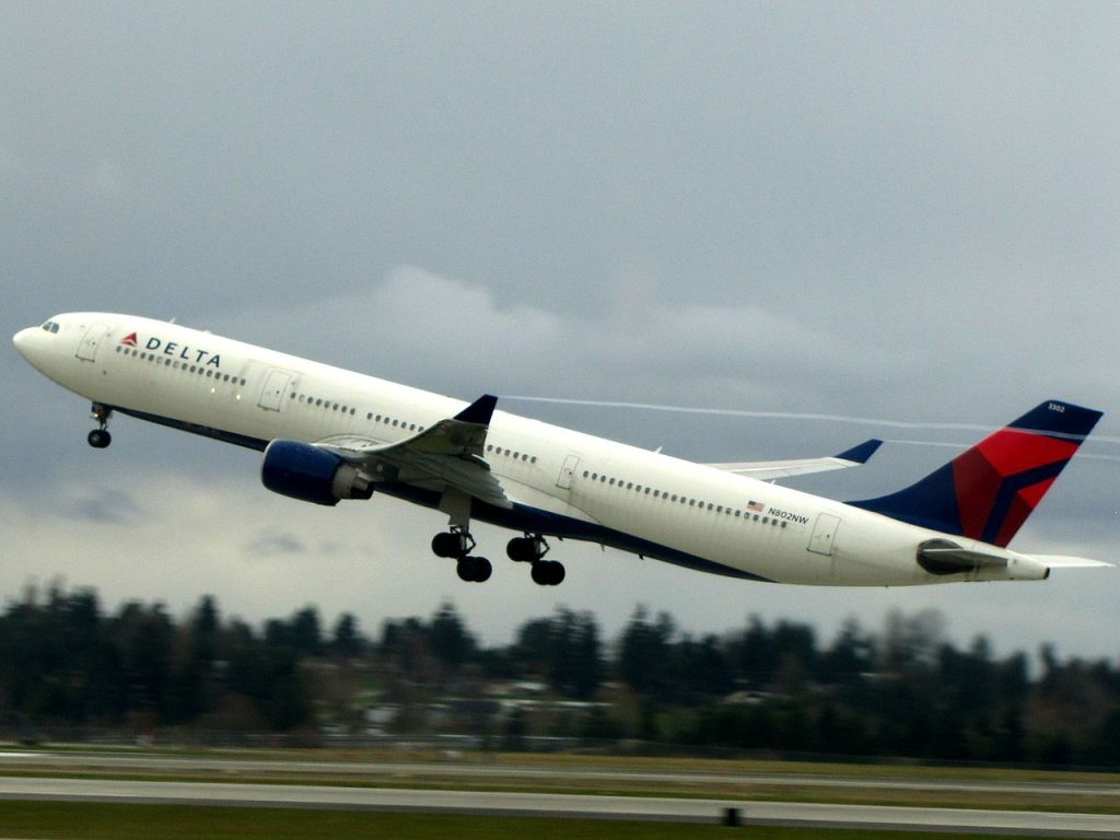 Delta Air Lines Airbus A330-300 N802NW Seattle-Tacoma International Airport