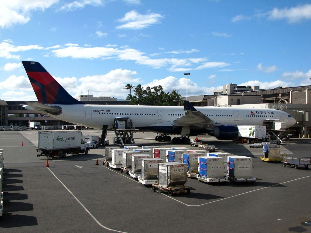 Delta Air Lines Airbus A330-300 N815NW Honolulu International Airport