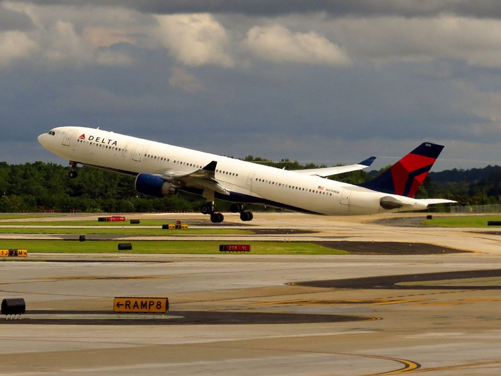 Delta Air Lines Airbus A330-300 N819NW Hartsfield-Jackson Atlanta International Airport