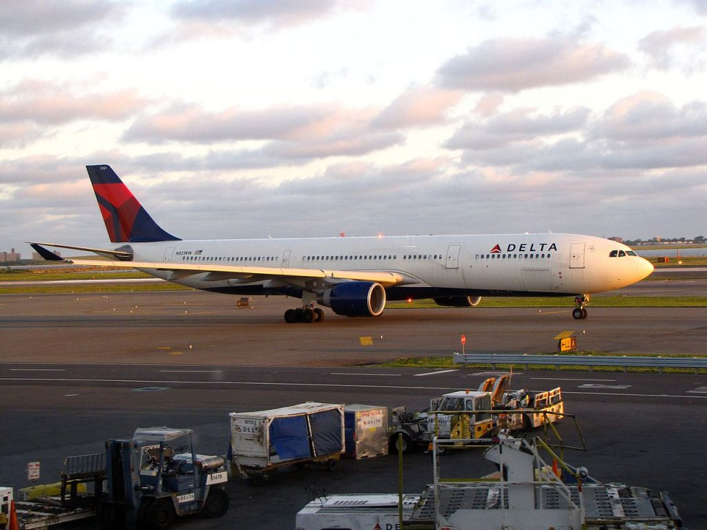 Delta Air Lines Airbus A330-300 N821NW John F. Kennedy International Airport
