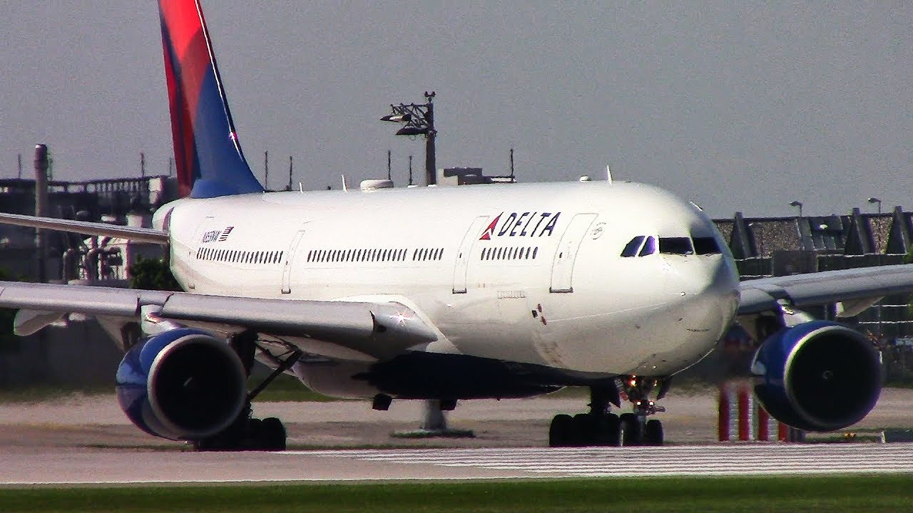 Delta Air Lines Airbus A332 (A330-200) (N855NW) landing taxi take off at Munich Airport