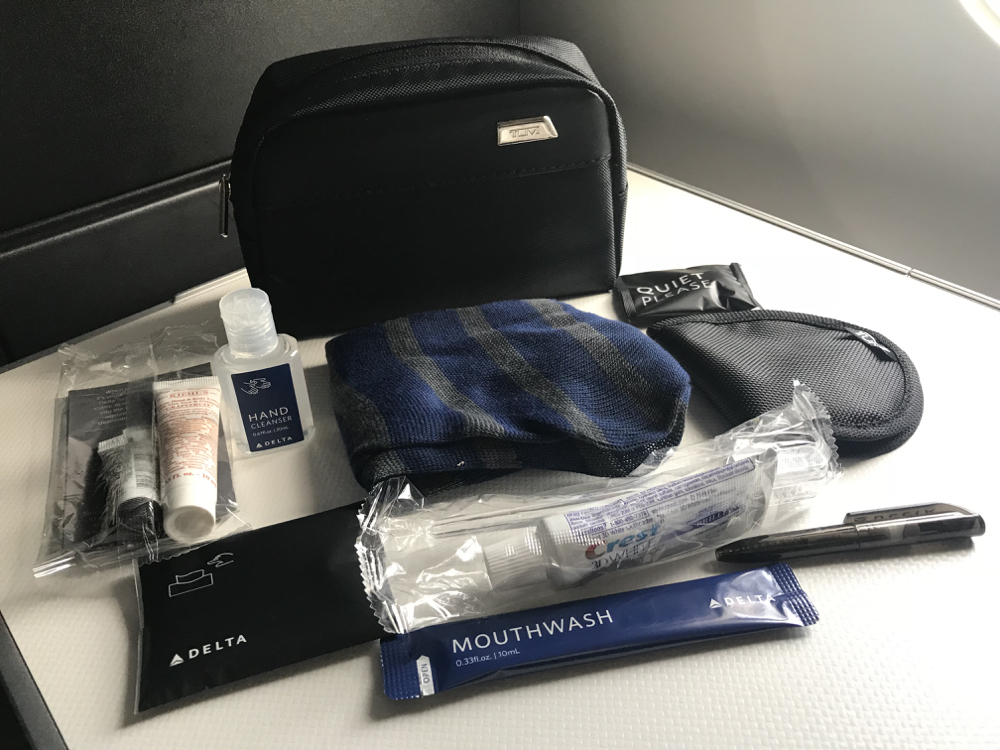 Delta Air Lines Airbus A350-900 Business Class (Delta One) Tumi branded amenity kit photos