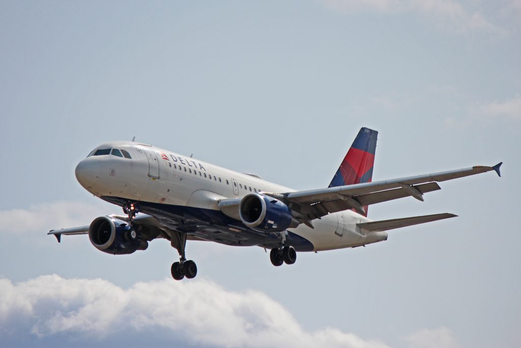 Delta Air Lines Airbus a319-100 N301NB Toronto Pearson International Airport YYZ