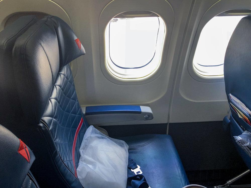 Delta Air Lines Boeing 717-200 First Class Window Seats Photos