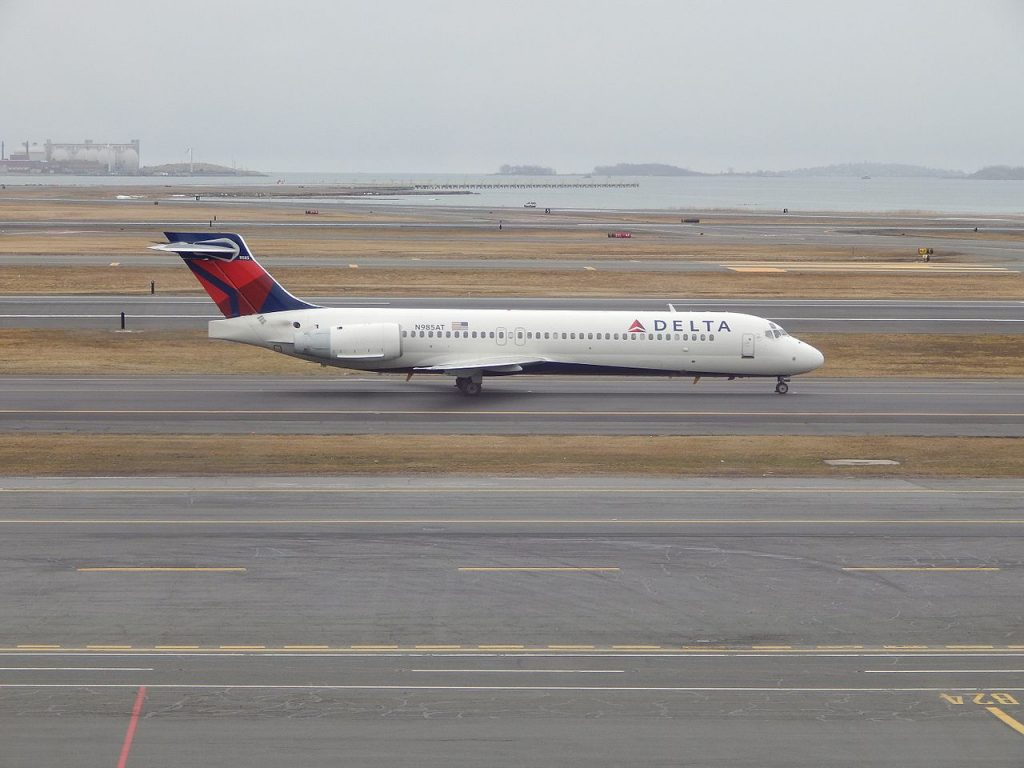 Delta Air Lines Boeing 717-200 N985AT at BOS Boston Logan International Airport