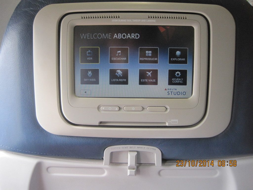 Delta Air Lines Boeing 737-700 Economy Class Back Seats Video Screen Photos