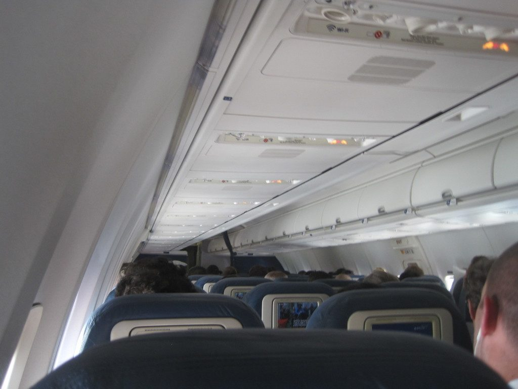 Delta Air Lines Boeing 737-700 Economy Class Main Cabin Interior Photos