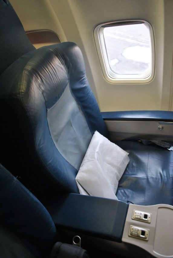 Delta Air Lines Boeing 737-700 First Class Window Seats Photos