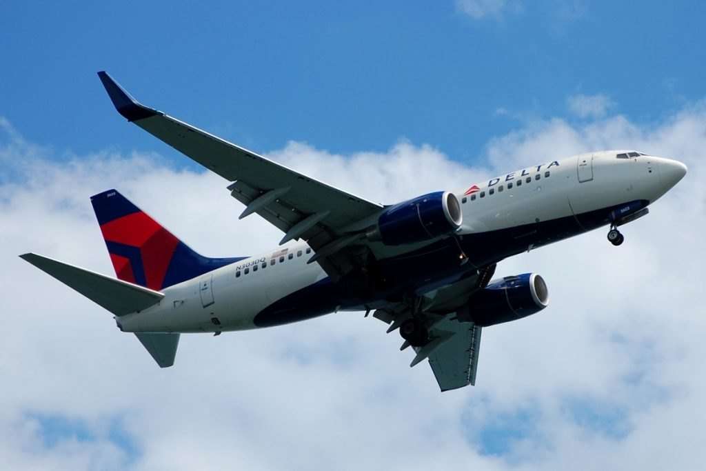 Delta Air Lines Boeing 737-700 (N303DQ) cn:serial number- 29688:2720 aircraft photos