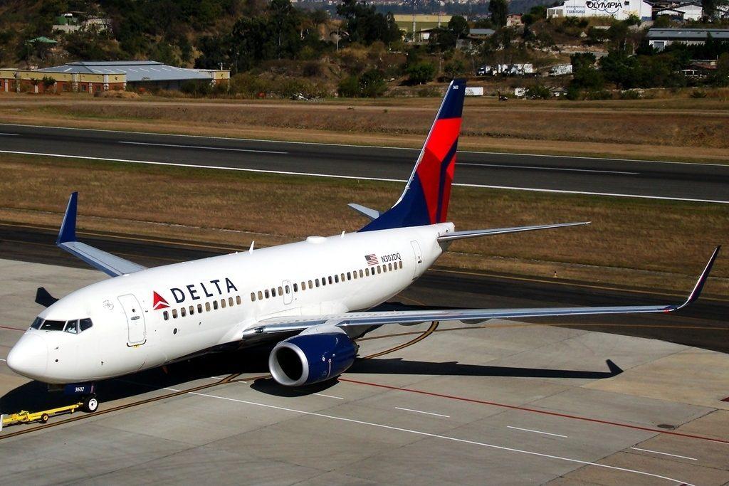 Delta Air Lines Boeing 737-732 N302DQ cn:serial number- 29648:2683 pushback to runaway at Tegucigalpa Toncontin Int'l - MHTG, Honduras