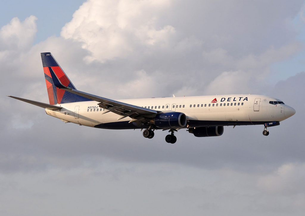 Delta Air Lines Boeing 737-800 N3732J approaching Miami International Airport