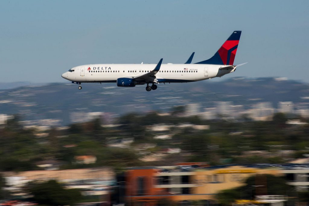 Delta Air Lines Boeing 737-800 (N3754A) at LAX Los Angeles International Airport
