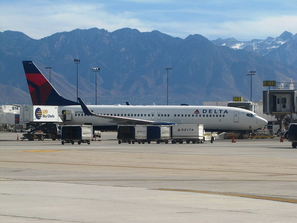 Delta Air Lines Boeing 737-800 N3758 Salt Lake City International Airport