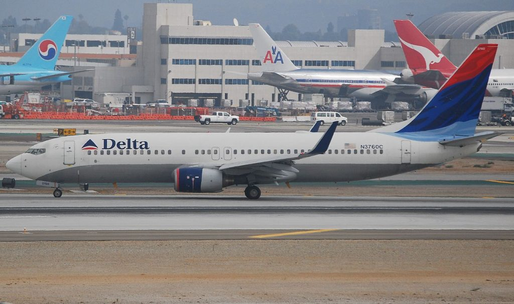 Delta Air Lines Boeing 737-800 N3760C Old Livery Aircraft at LAX