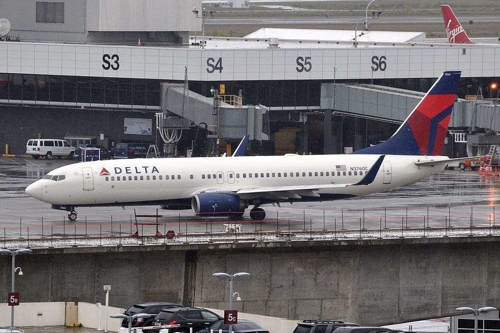 Delta Air Lines Boeing 737-800 N3760C Seattle-Tacoma International Airport