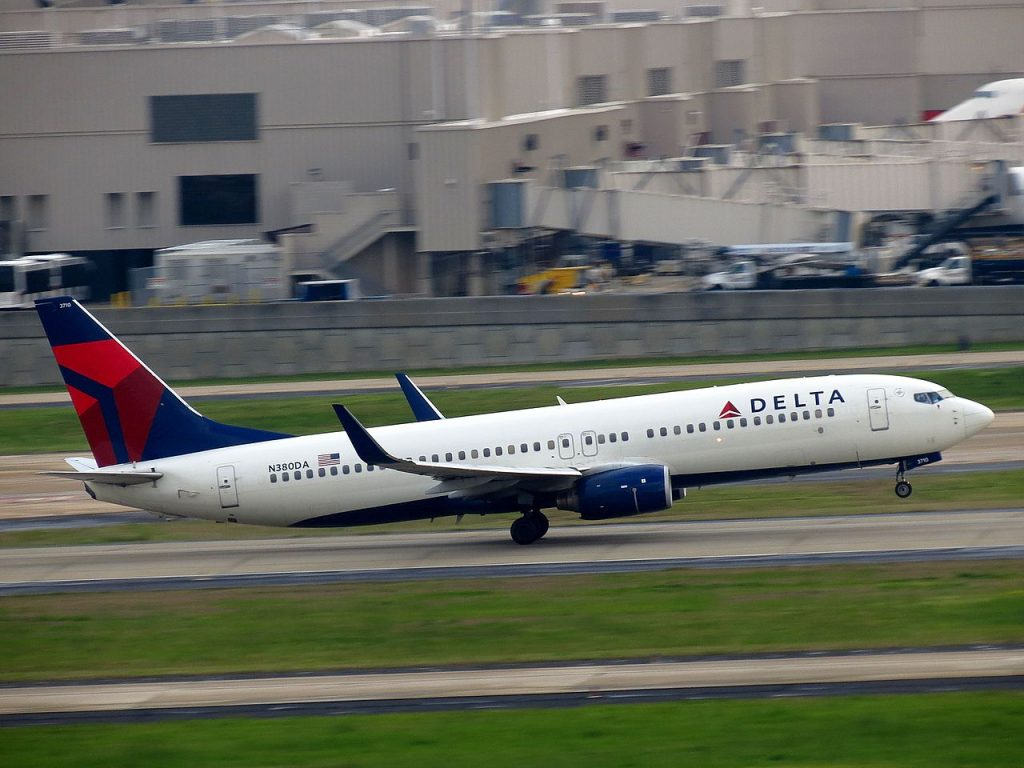 Delta Air Lines Boeing 737-800 N380DA at Hartsfield-Jackson Atlanta International Airport