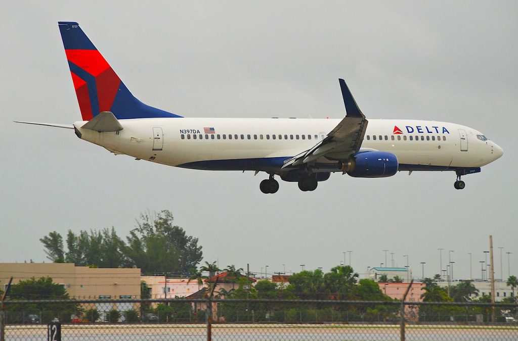 Delta Air Lines Boeing 737-800; N397DA @MIA Miami International Airport