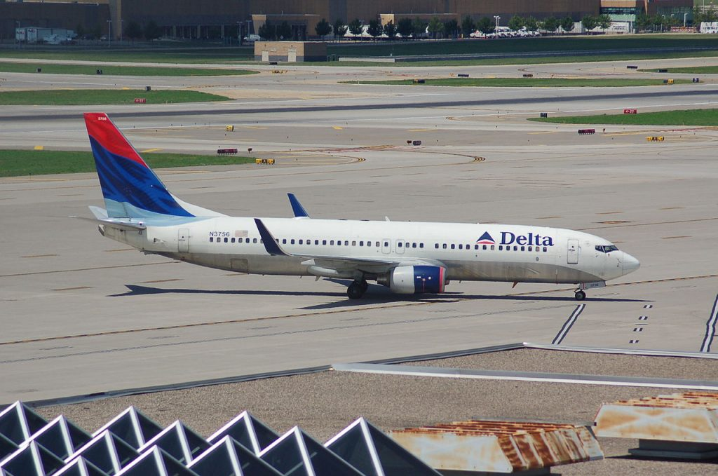 Delta Air Lines Boeing 737-800 Old Livery N3756 at Minneapolis-Saint Paul International Airport