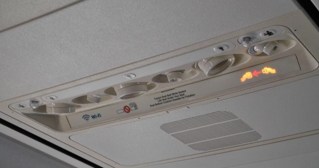 Delta Air Lines Boeing 737-800 Premium Economy (Comfort+) passenger service unit (PSU) Photos
