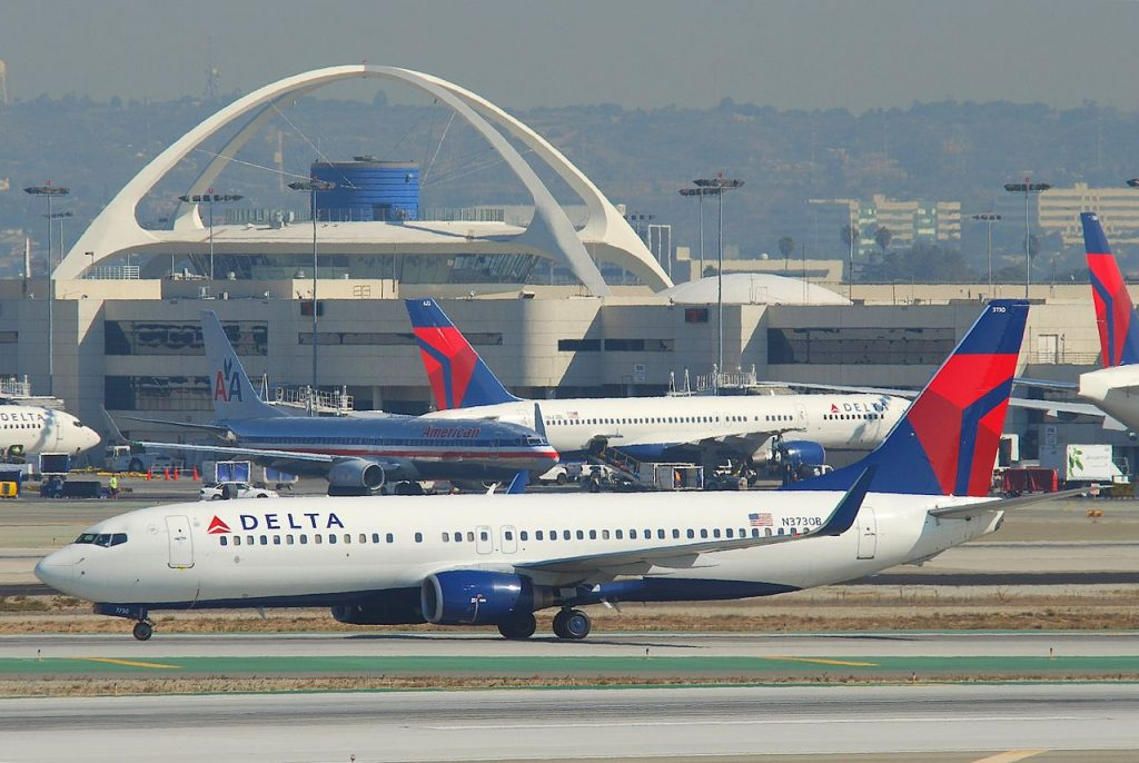 Delta Air Lines Boeing 737-832; N3730B @LAX Los Angeles International Airport