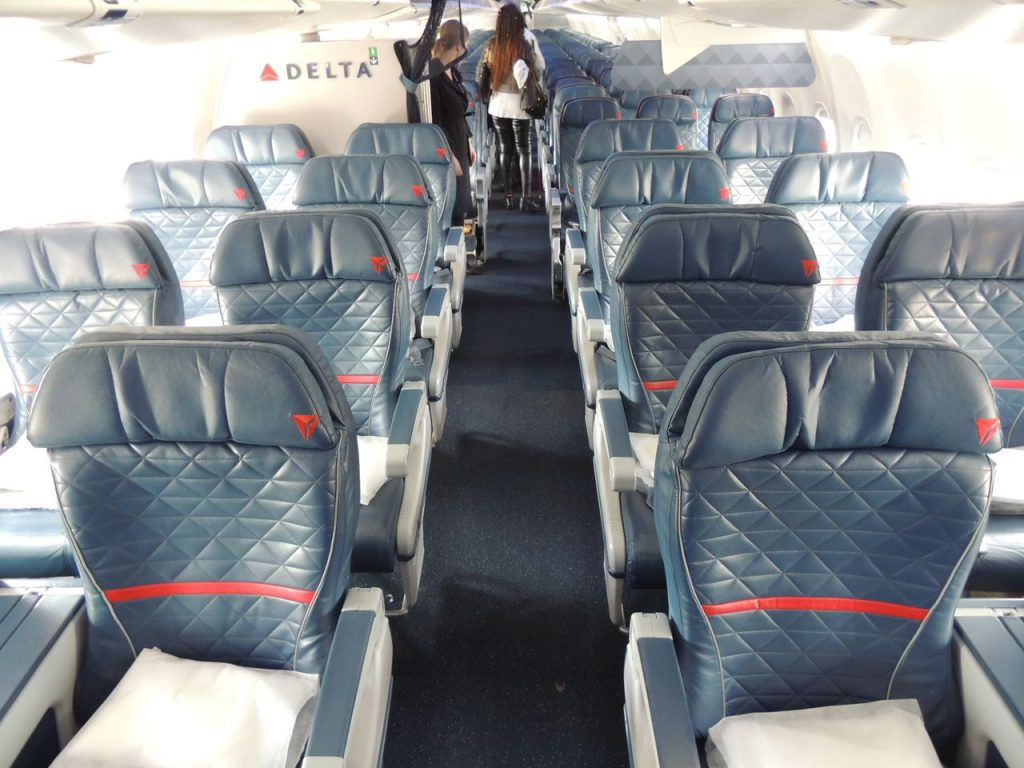 Delta Air Lines Boeing 737-900ER Aircraft Cabin Interior Design Photos