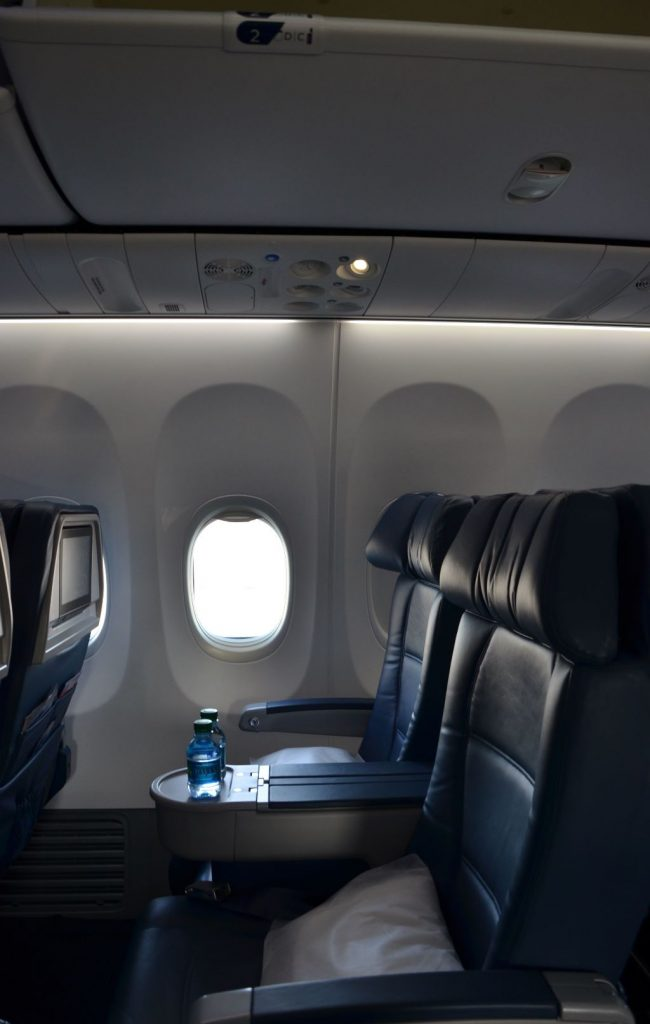 Delta Air Lines Boeing 737-900ER First Class Cabin Seating Chart Photos