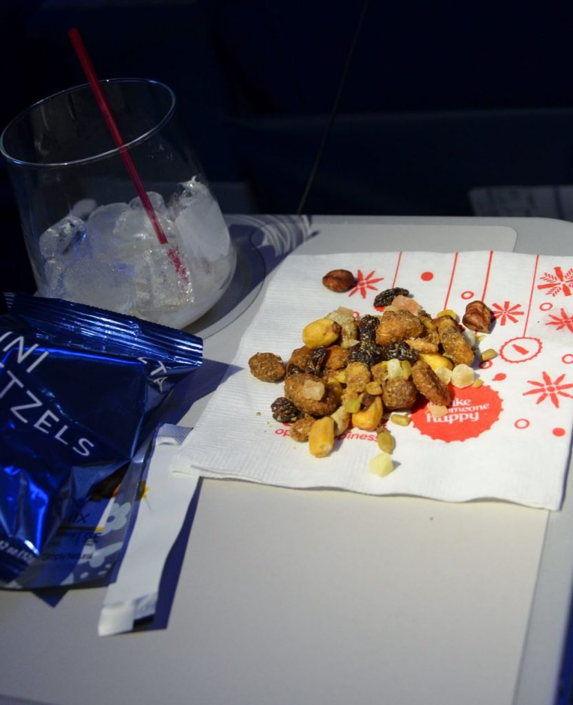 Delta Air Lines Boeing 737-900ER First Class Cabin inflight snack and drink service2 Photos