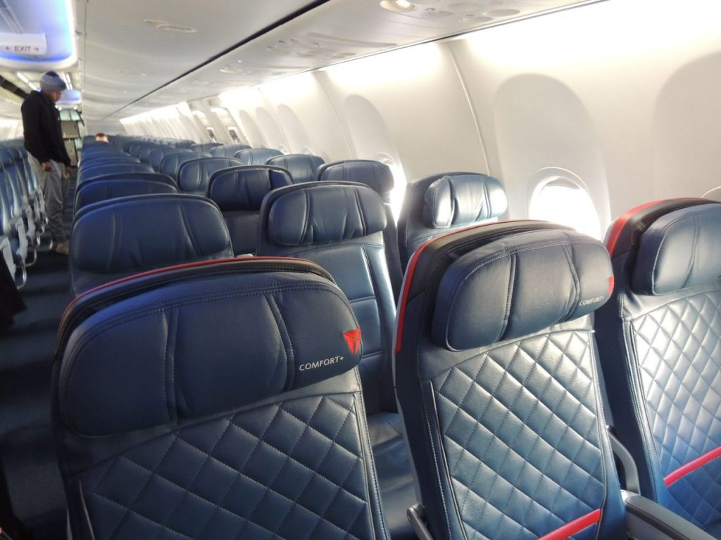 Delta Air Lines Boeing 737-900ER Main Cabin Economy Class Seats Configuration Photos