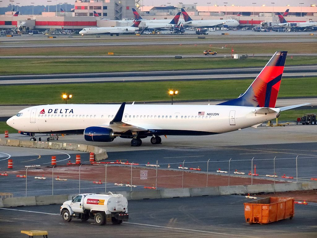 Delta Air Lines Boeing 737-900:ER N802DN Hartsfield-Jackson Atlanta International Airport