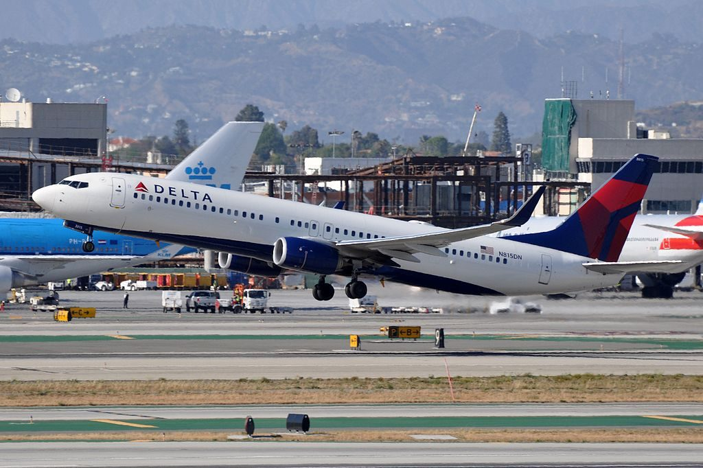 Delta Air Lines, Boeing 737-932(ER), N815DN - LAX