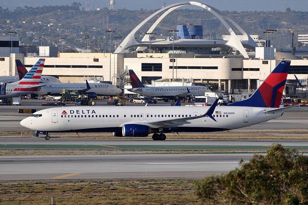 Delta Air Lines, Boeing 737-932(ER), N836DN - LAX