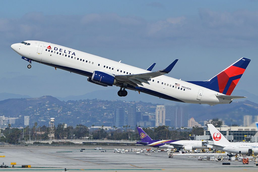 Delta Air Lines Boeing 737-932ER(w) 'N804DN' c:n 31918, l:n 4650 departing LAX and taken from the Imperial Hill spotting location. Los Angeles, California, USA