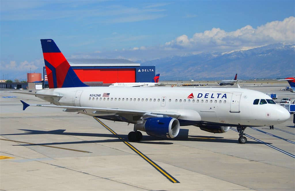Delta Air Lines Fleet Airbus A319-114 N342NB Photos