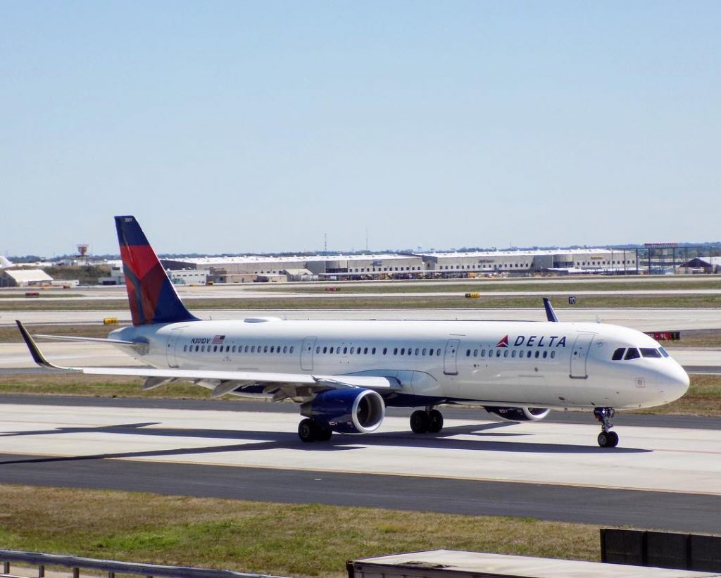Delta Air Lines Fleet Airbus A321-200 N301DV taxies for departure, flying to San Diego