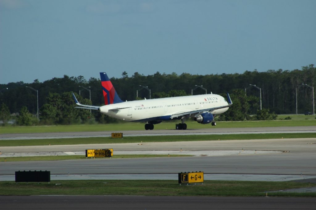 Delta Air Lines Fleet Airbus A321-211SL N316DN Take Off Photos