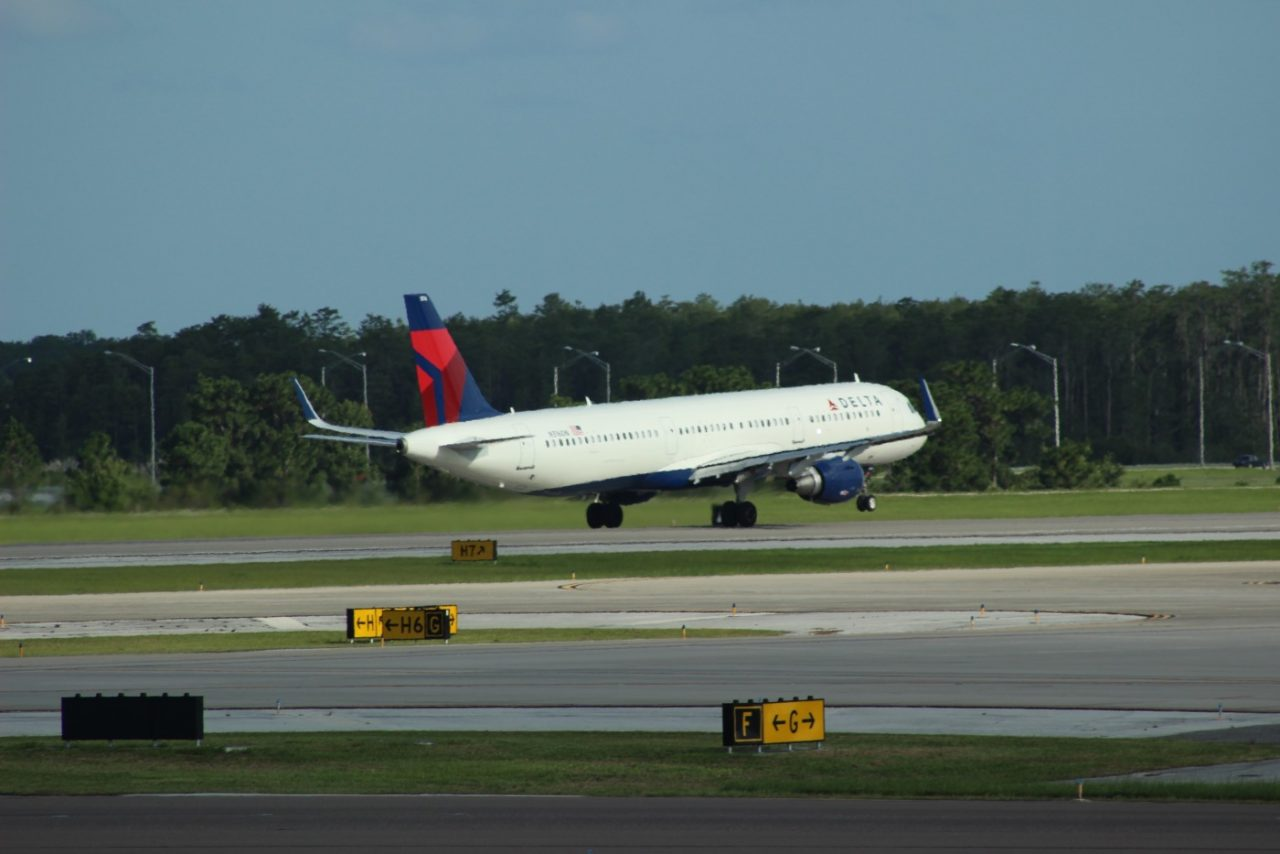 Delta Air Lines Fleet Airbus A321-211SL N316DN Take Off Photos