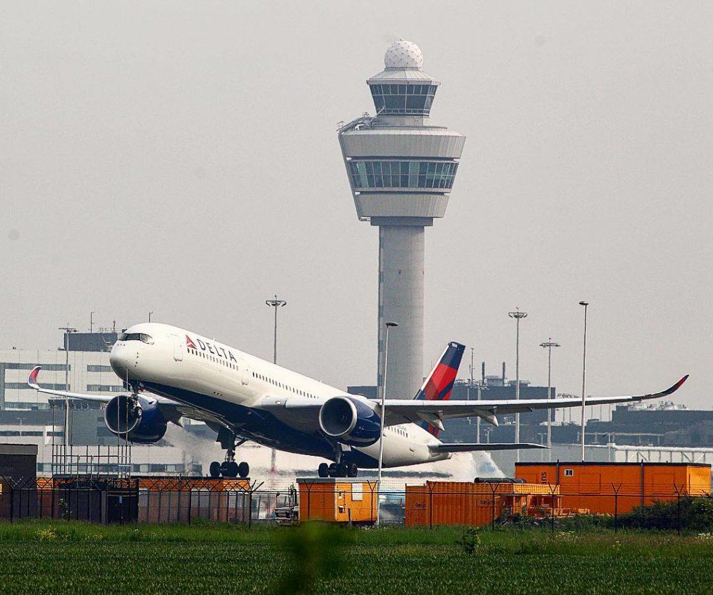Delta Air Lines Fleet Airbus A350-941XWB N504DN Take off photos