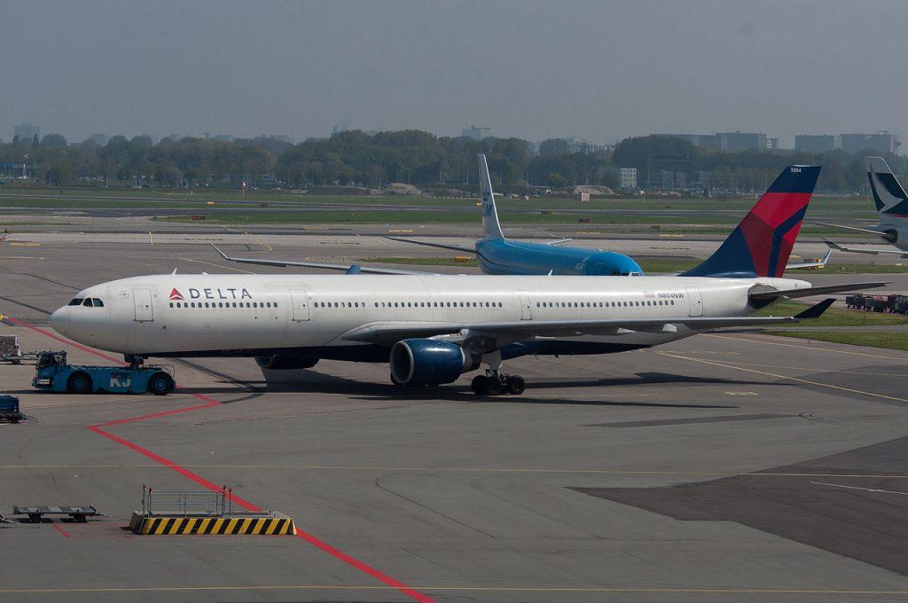 Delta Air Lines Fleet Long Haul Aircraft Airbus A330-300 N804NW at AMS Photos
