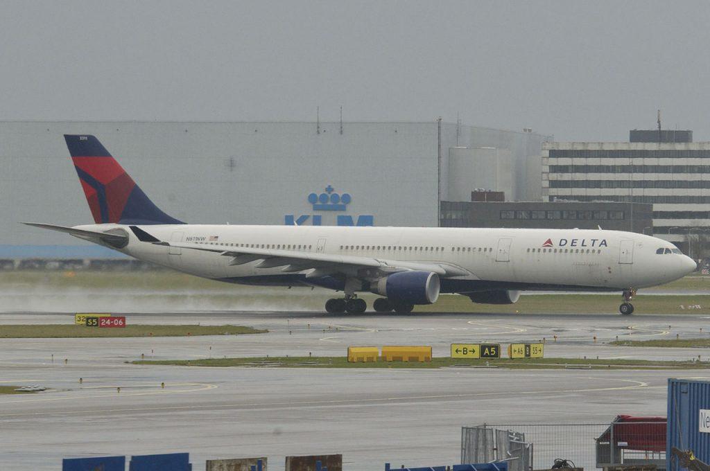 Delta Air Lines Fleet Wide Body Aircraft Airbus A330-300; N811NW @AMS
