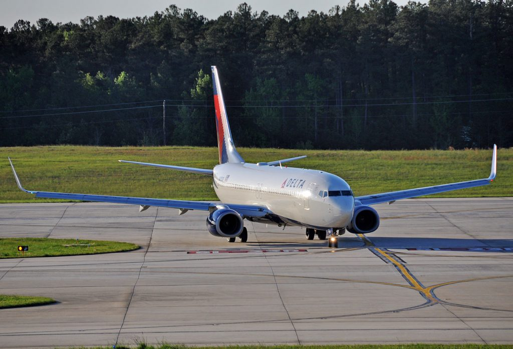 Delta Air Lines N3750D Boeing 737-832 at Raleigh-Durham International Airport
