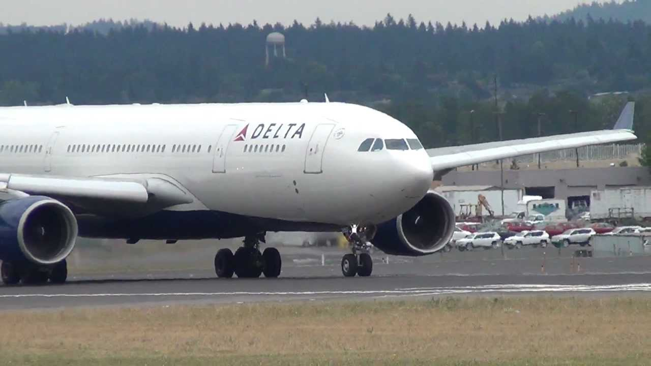 Delta Air Lines N857NW A330-200 Takeoff Portland Airport (PDX)