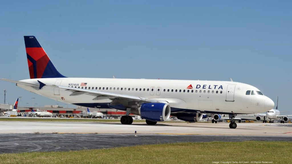 Delta Air Lines Narrow Body Airbus A320-200 N324US Taxiing Photos