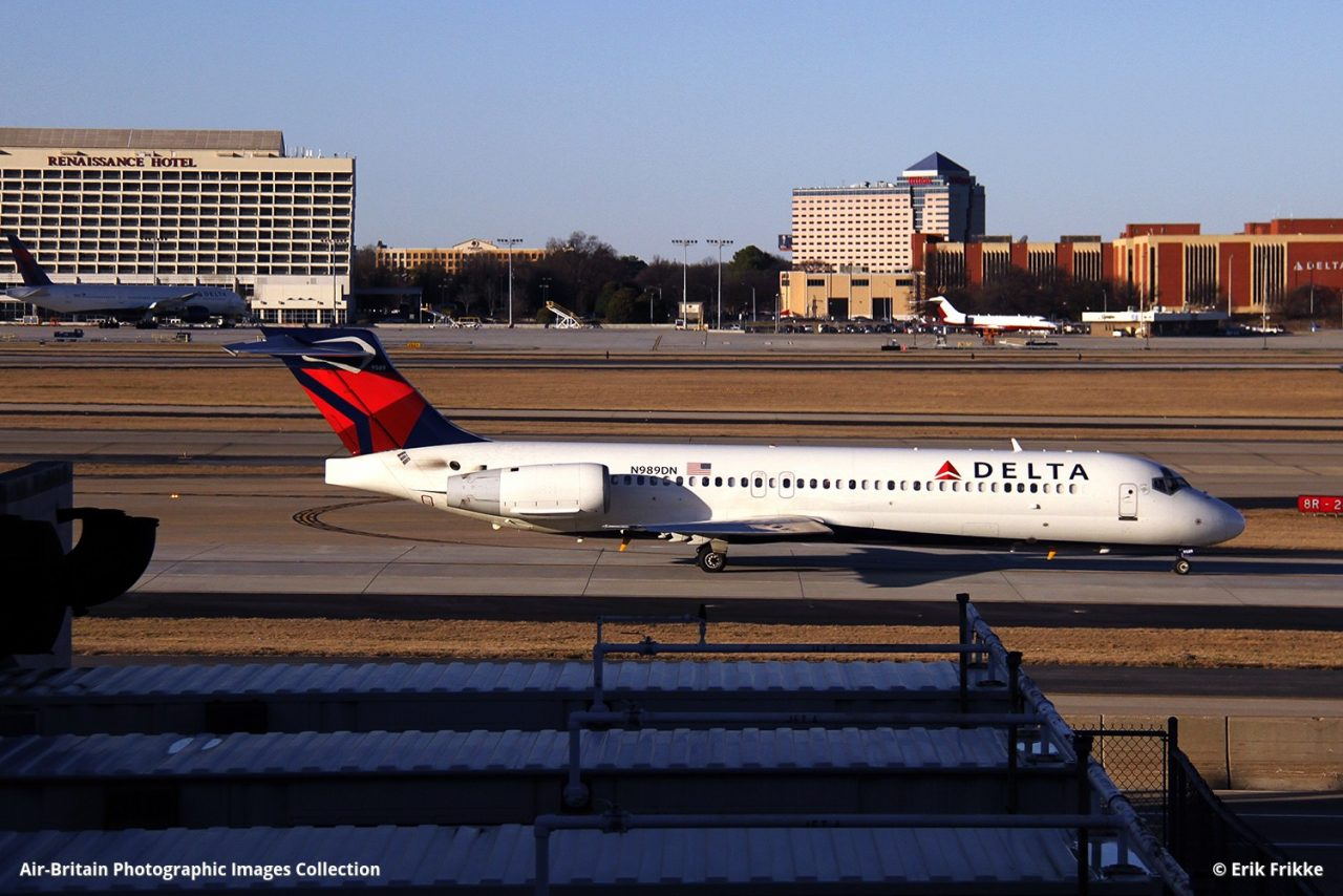 Delta Air Lines Narrow Body Aircraft Boeing 717-200 N989DN at Hartsfield–Jackson Atlanta International Airport @Erik Frikke