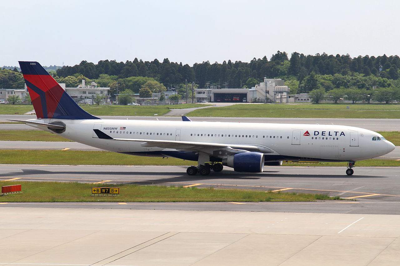 Delta Air Lines Wide Body Airbus A330-200 (N855NW) at Narita International Airport