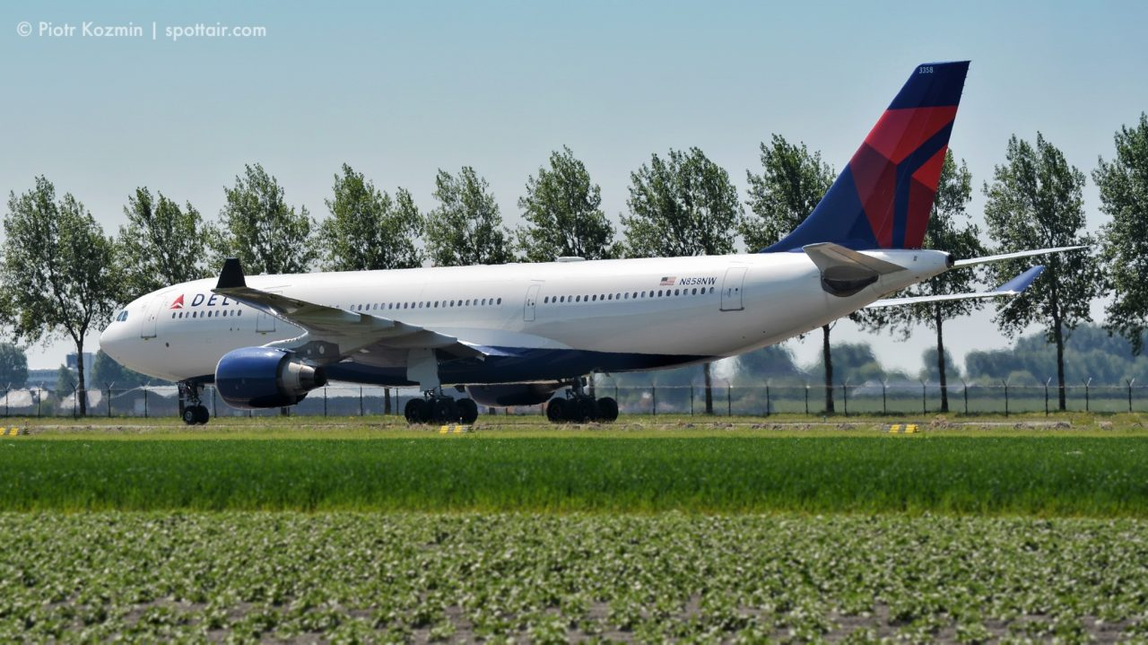 Delta Air Lines Wide Body Aircraft Airbus A330-200 (N858NW) at AMS Airport @Piotr Kozmin