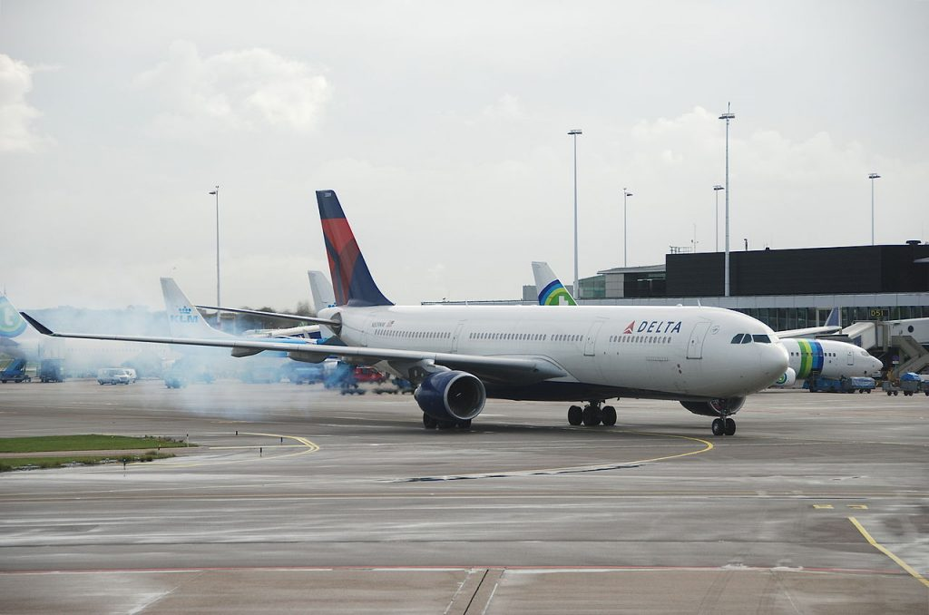 Delta Air Lines Wide Body Aircraft Airbus A330-323X; N809NW @AMS