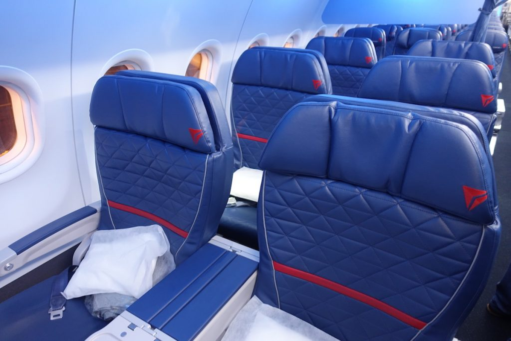 Delta Airbus A319 First Class Seats Photos